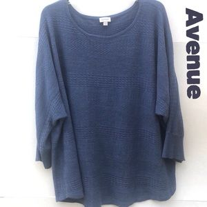 Avenue 26W/28W Lightweight Scoop Neck Sweater